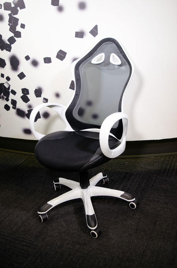 Gejmerska stolica AH Seating Executive DS-026 Black / White